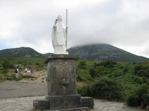 stan carey - croagh patrick mountain climb - statue st patrick and shamrock